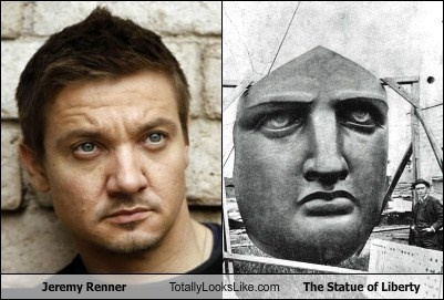 Jeremy Renner Totally Looks Like The Statue of Liberty