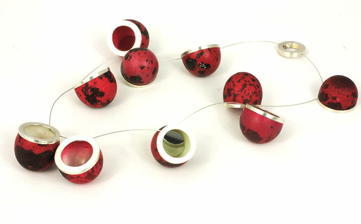 Anja Eichler - EiEiEi series - 'Void in red' collier 2013 - hardened quail eggs, silver, mirrors, steel cable 2,3 x 1,8 x 2,3cm (per element) 50cm (entire length)