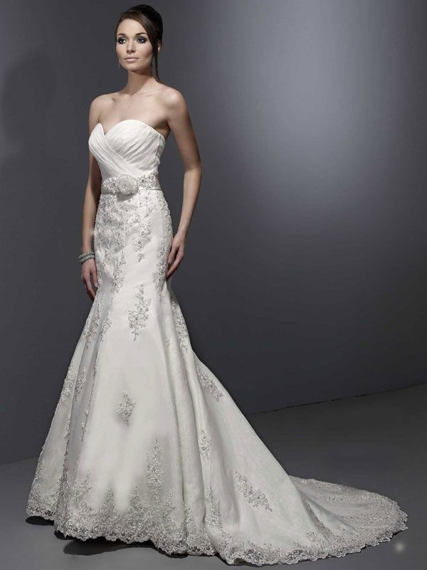 Really pretty dress wedding dreams pinterest for Very pretty wedding dresses