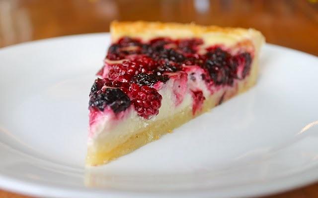 Blackberry cheesecake tart. | Sweets | Pinterest