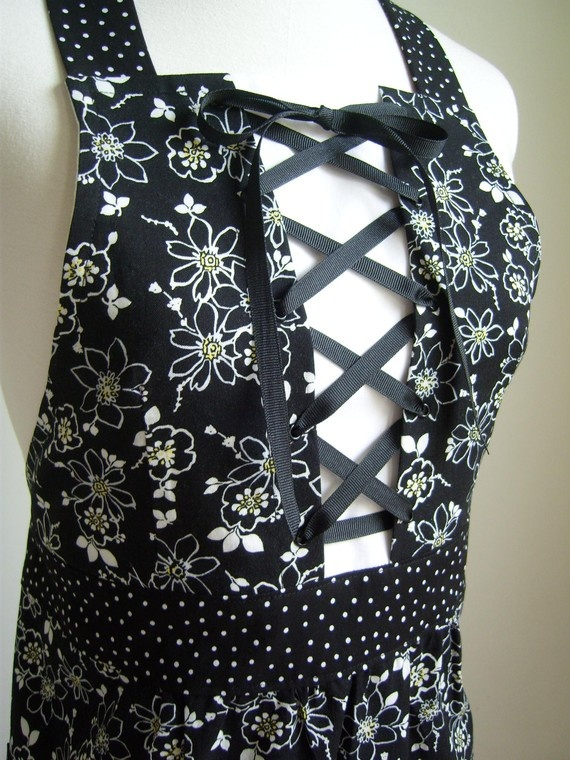 Corset-front apron My Apron Obsession Pinterest