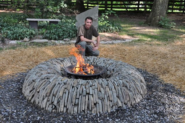 Wow!! Amazing fire pit!!  For the Home  Pinterest