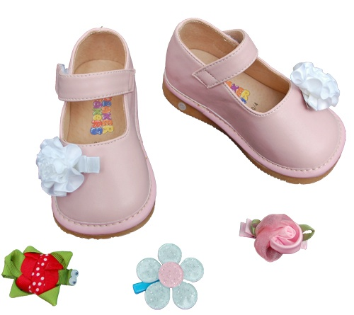 squeaker shoes i can t wait till she s walking