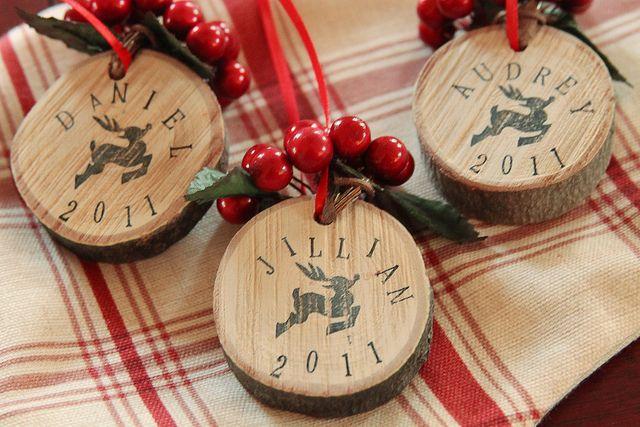 Rustic Christmas ornament favors