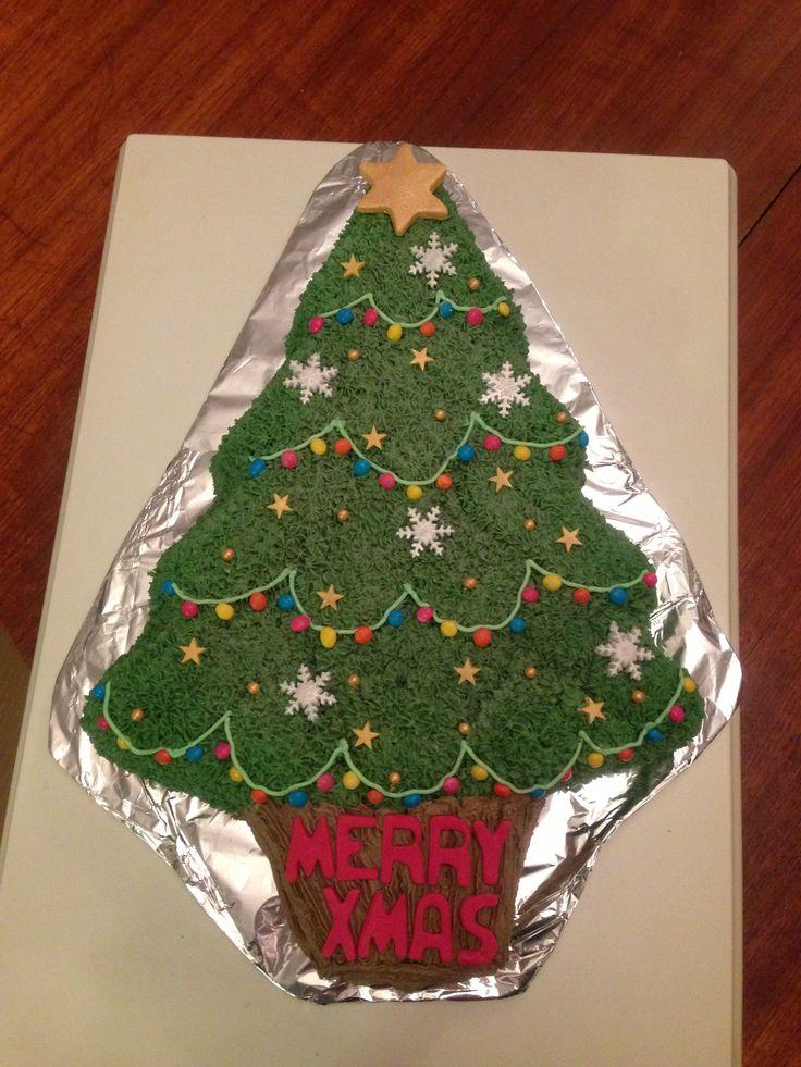 Christmas Cake Ideas Wilton : Wilton Christmas Tree Cake Christmas Cake Pinterest