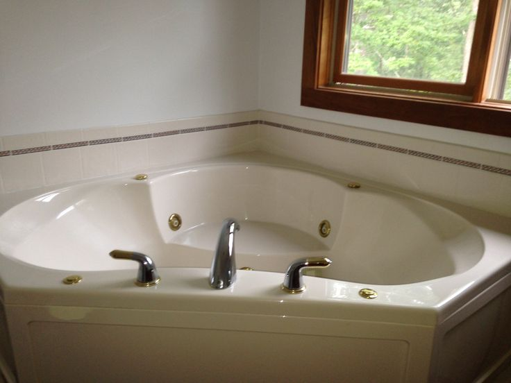 Corner jacuzzi in master bathroom dream home pinterest for Master bathroom jacuzzi designs