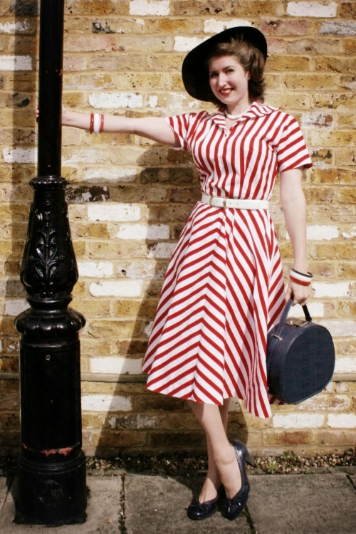 A wonderfully cheery red and white striped dress via Tuppence Ha'penny Vintage. #vintage #dress #fashion #hat