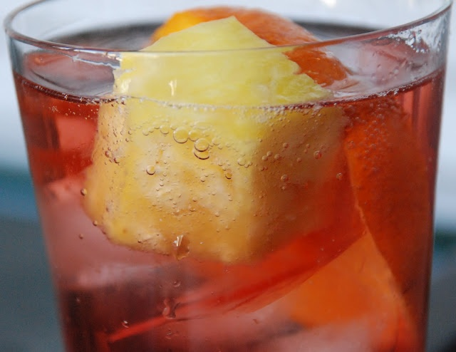 ... sparkling rum and pomegranate punch recipes dishmaps sparkling rum and