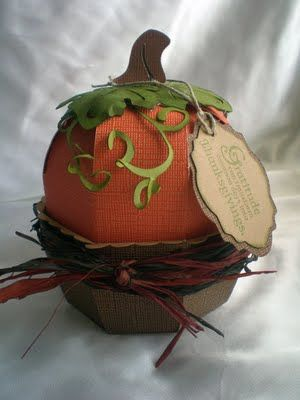 Rockin Renee's magic in the form of a pumpkin (using Sweet Tooth Boxes cart)