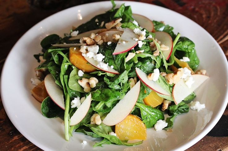 Spinach & Arugula Salad with beets, apples, goat cheese and walnuts ...