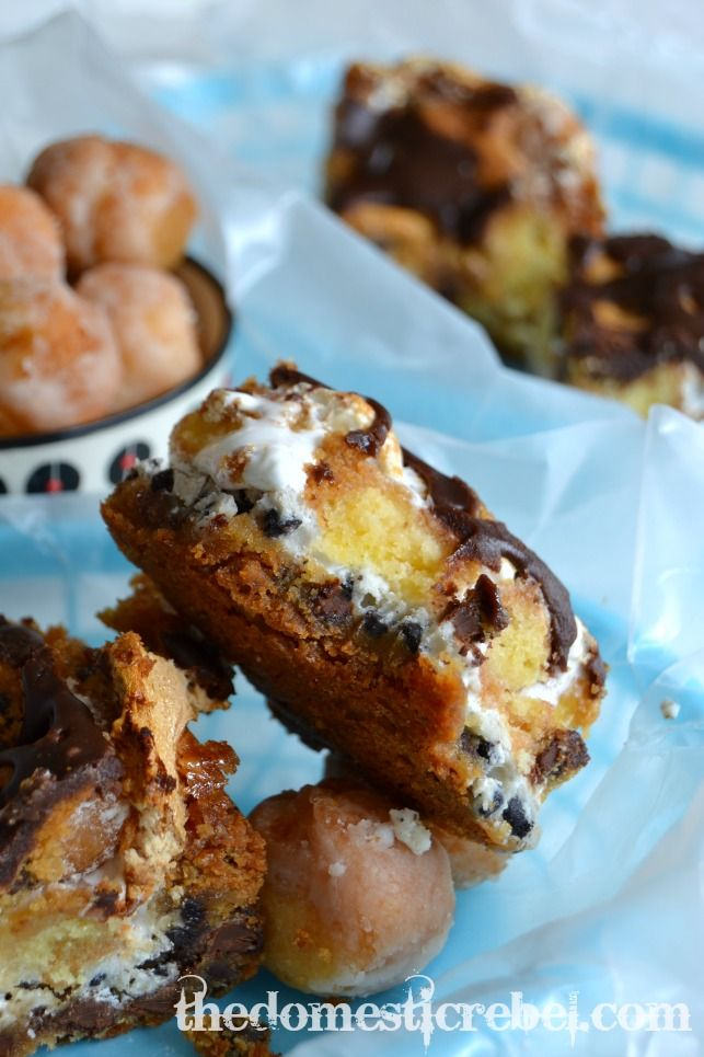 Heavenly Hash Donut Blondies: donut holes and marshmallow fluff ...