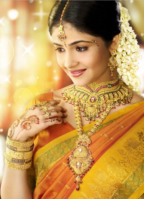 #Beautiful #Bollywood #Style #Indian #wedding #bride #marriage #shadi  #india #Yellow #love #saree #cutebride #cute #indianbride #gold