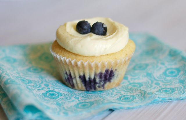 Lemon Blueberry Cupcakes   Cakes and Cupcakes   Pinterest