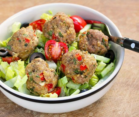 Greek red pepper and feta turkey meatball salad - I never think to eat ...