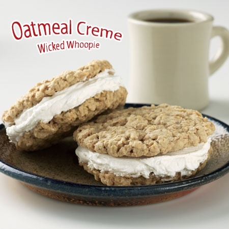 Oatmeal creme whoopie pie | Goodies for Linny | Pinterest