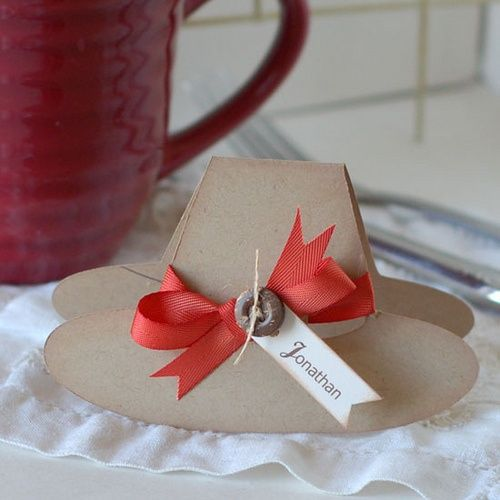 20 lovely diy thanksgiving place cards thanksgiving for Diy thanksgiving table place cards