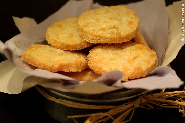 Sharp Cheddar Scottish Shortbread | Yum! | Pinterest