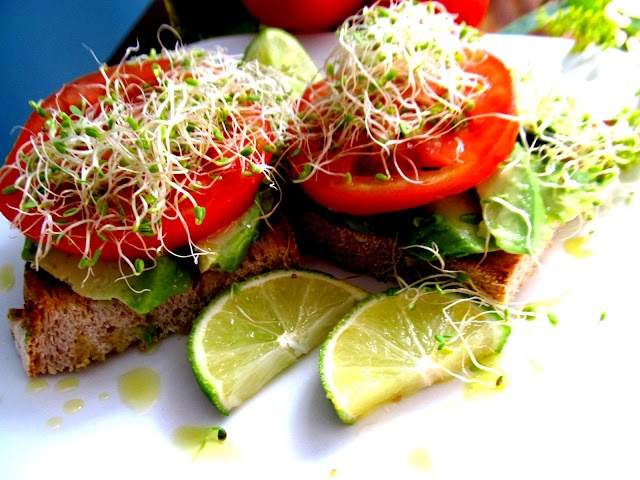 Avocado Tomato Toasts for #greenslove #vegan via Food and Thrift