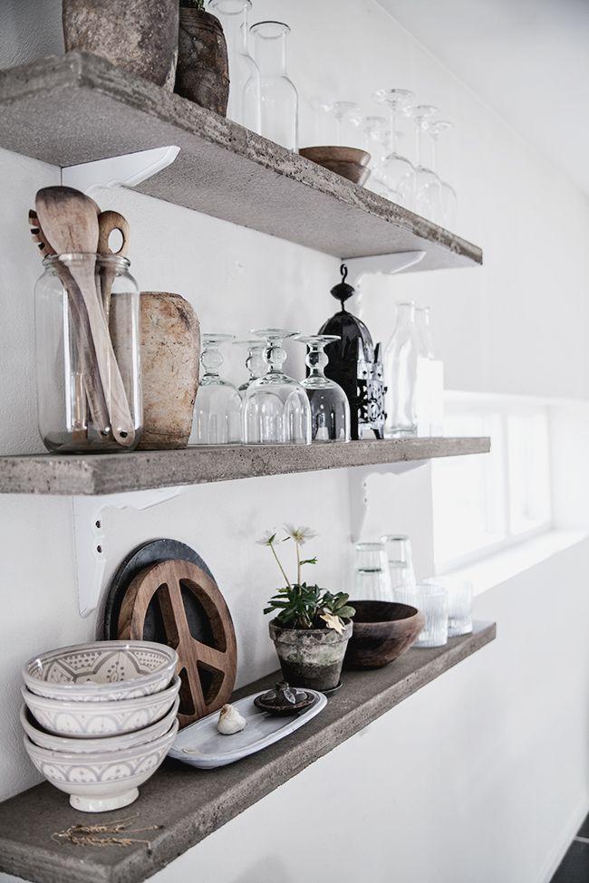 Landelijke Keukens Accessoires : open shelves, rustic wood For the Home Pinterest