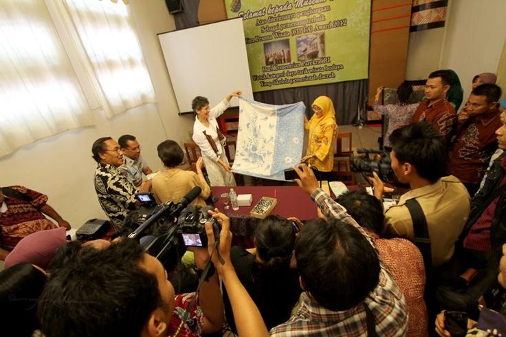... Niessen, Tanti via @MJA Nashir | Museum Batik Pekalongan | Pin