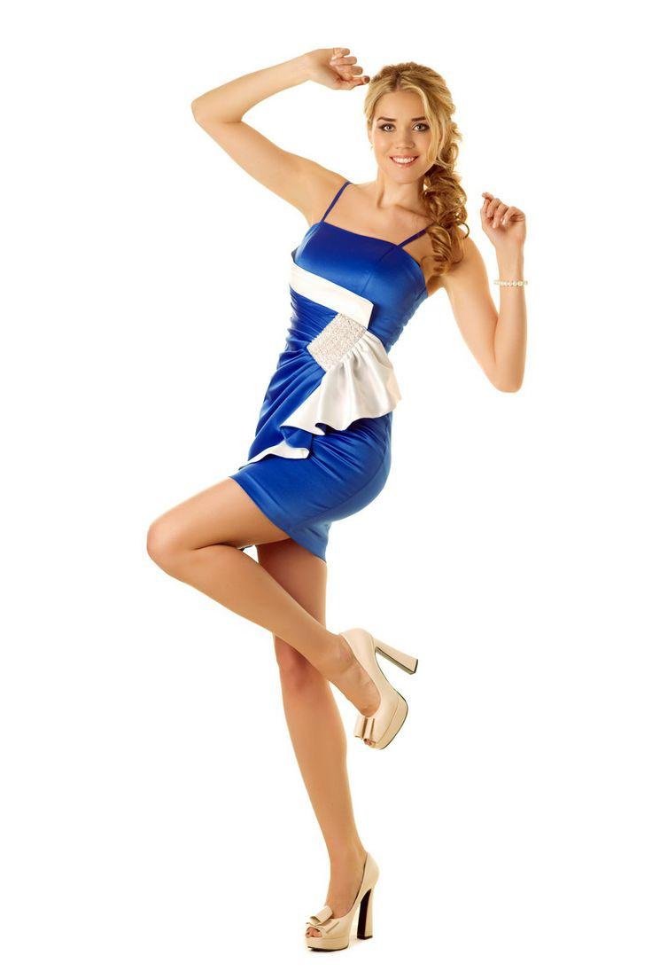 Прически под платье с в образным вырезом