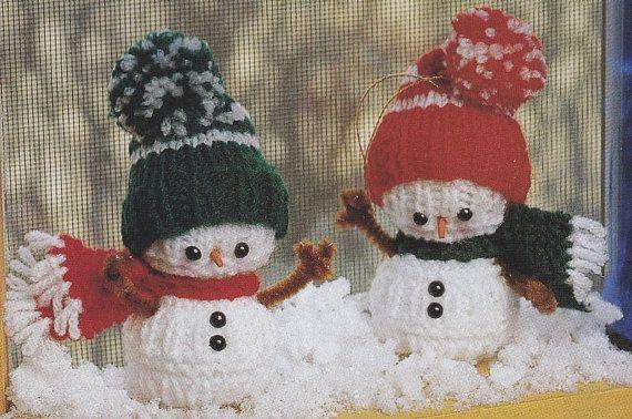 Knitted Snowman Pattern Free : Snowman Knitting Pattern - Christmas Ornament