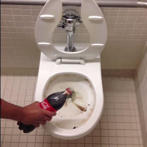 schoonmaken vaatwasser soda