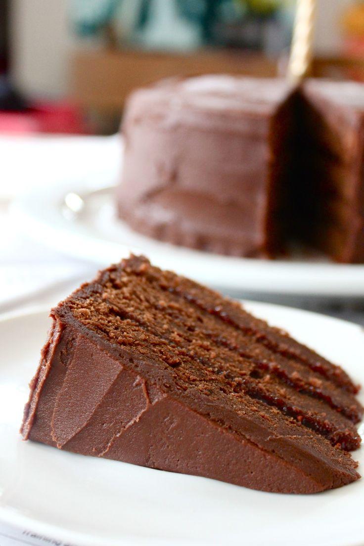 Chocolate and raspberry layer cake   Sweet Recipes   Pinterest
