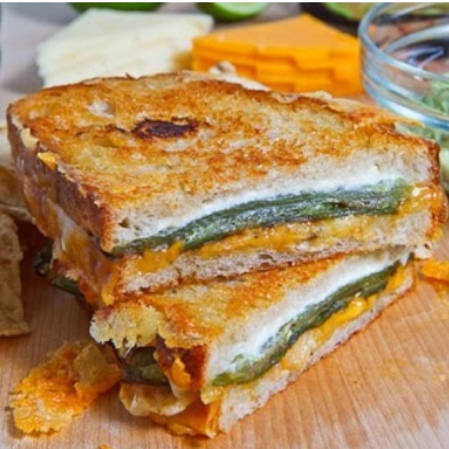 jalapeño popper grilled cheese sandwich. | Yummy | Pinterest