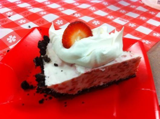 Strawberry Icebox Pie | Ice Cream and Cold Treats | Pinterest