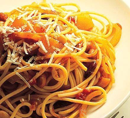 Pumpkin & bean spaghetti - A warming, vegetarian pasta dish that's ...