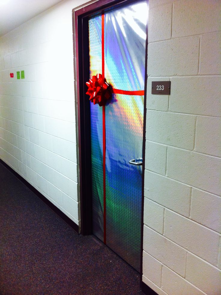 Cute & simple Christmas decoration for dorm room Would  ~ 162121_Dorm Room Birthday Ideas