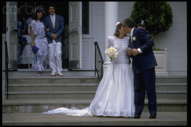 Caroline kennedy wedding dress wwwimgkidcom the for Caroline kennedy wedding dress