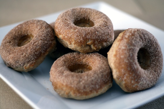 baked apple cinnamon doughnuts | Eat: Sweet. | Pinterest