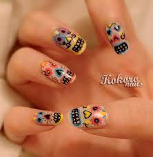 Girly skull nail art | Nail Art-Taylor | Pinterest