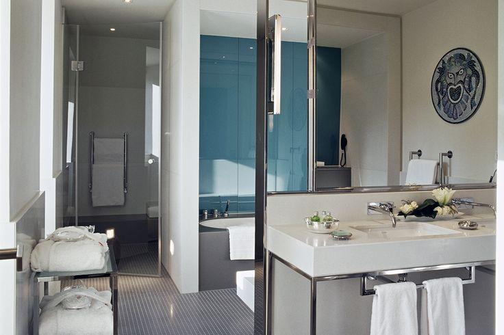 Bathroom by martin brudnizki design studio the villa for Martin craig bathroom design studio