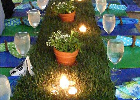 Grass in sod grass   with table and ribbon DIY Cut runner lengthwise, table. lined half  it