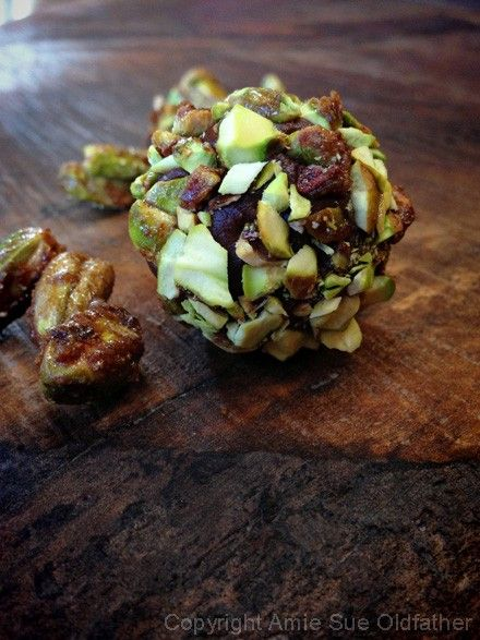 Spiced-Pistachio-Brigadeiro-Truffles5 | for your belly | Pinterest