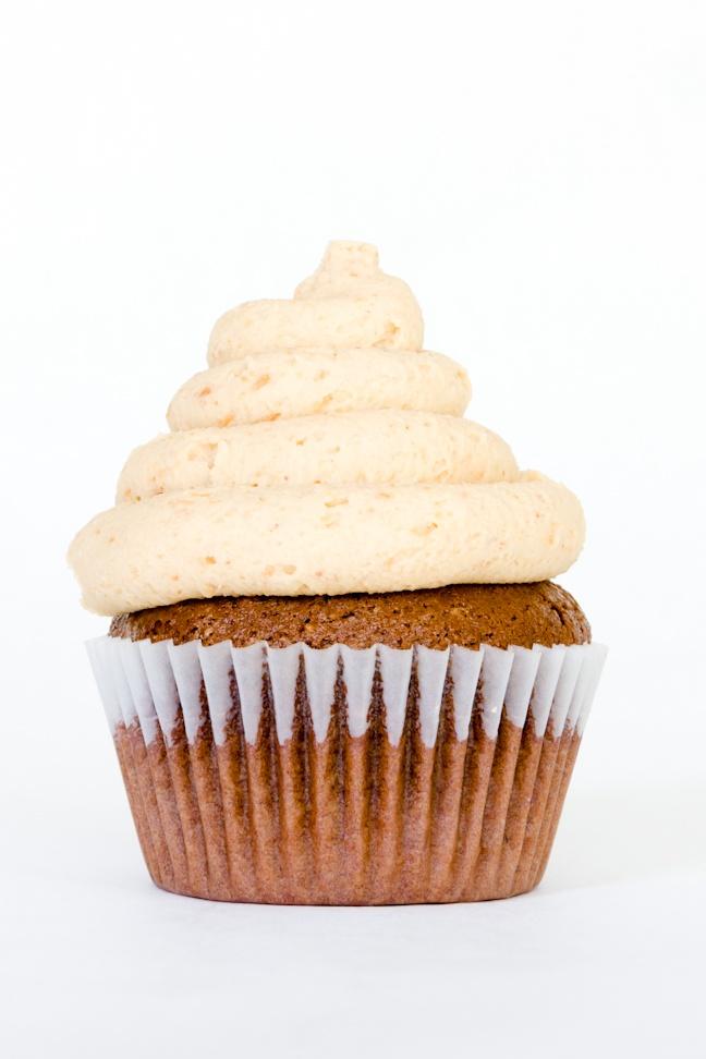 Chocolate Peanut Butter Hi-Hat Cupcake Recipe ~ Cupcake Project