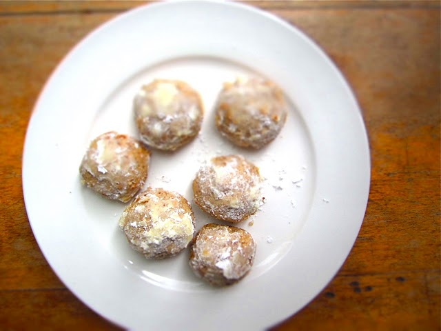 Pecan butterballs! My mom made them every year and now, I miss them ...