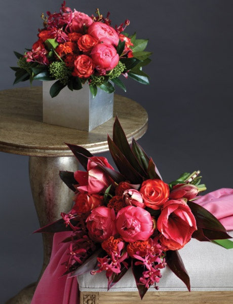 Need to find some coral peonies like the ones on the table. Perfect for a jam packed arrangement. Stunning!!