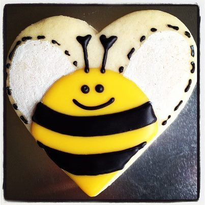Bumblebee (Heart Cookie Cutter) | Cookies Using Heart Shaped Cookie C ...