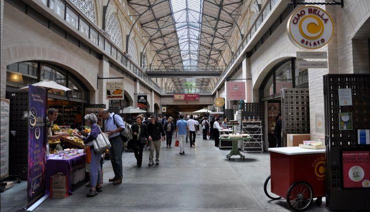 6. El Ferry Building Market Place, en San Francisco, está situado en la histórica central de ferry de la ciudad. Los productos que se ofertan se caracterizan por ser de alta calidad. Encontrarás productos frescos y comida preparada.