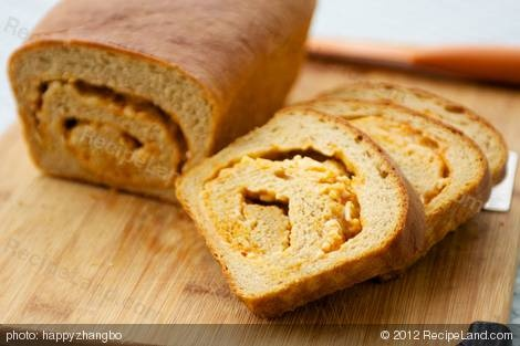 Cheddar and Hot Chili Sauce Swirl Bread | Recipe