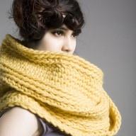 yellow knit scarf (spratters & jayne)
