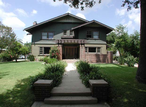 Pin by amy woods on bungalows arts and crafts period for Pasadena craftsman homes