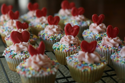 Sprinkles Strawberry Cupcakes | e a t + d r i n k | Pinterest