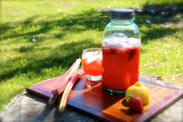 Strawberry Rhubarb Lemonade--perfect combo of sweet and tart