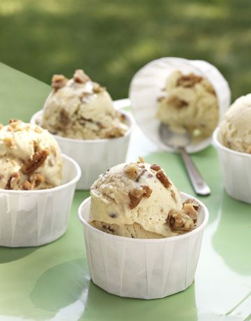 Butter Pecan Ice Cream with brown sugar and candied nuts #desserts