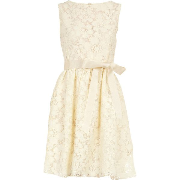 Cream lace dress... LOVE.